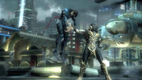 Regarder la bande-annonce de Injustice Gods Among Us Ultimate Edition